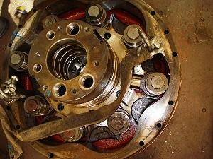 Overhauling hydraulic piston motor